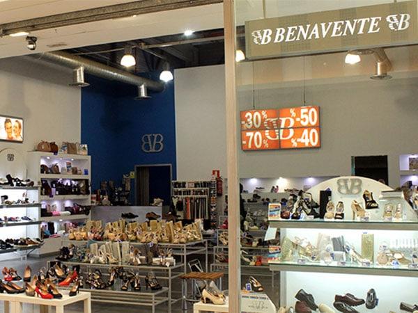 dc17daa288b En Calzados Benavente son especialistas en ti, en sus tiendas podrás  encontrar, moda, diseño y calidad a un precio asequible. Zapatos cómodos,  de calidad y ...